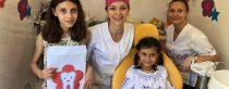 Încă 120 de copii din trei sate din Ialomița au beneficiat de proceduri de prevenție orală și tratament de carie folosind infrastructura cabinetului stomatologic mobil Zâna Merciluță